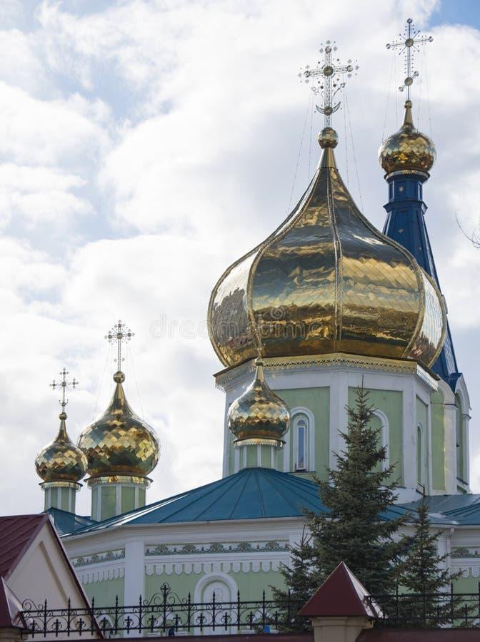 Églises de dôme de Provoslavnoy images libres de droits
