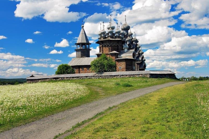 Églises en bois sur l'île Kizhi images stock