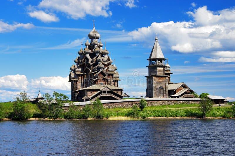 Églises en bois sur l'île Kizhi photos stock