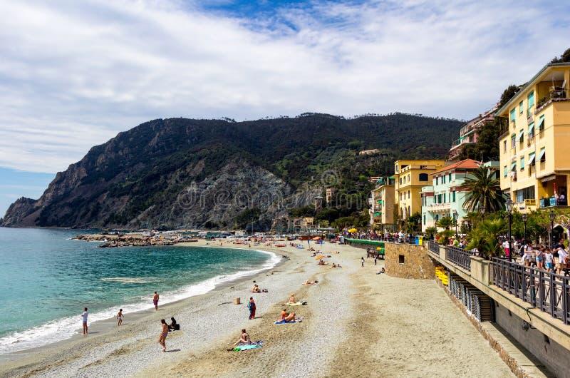 Égua do al de Monterosso, uma vila litoral e recurso em Cinque Terre imagens de stock