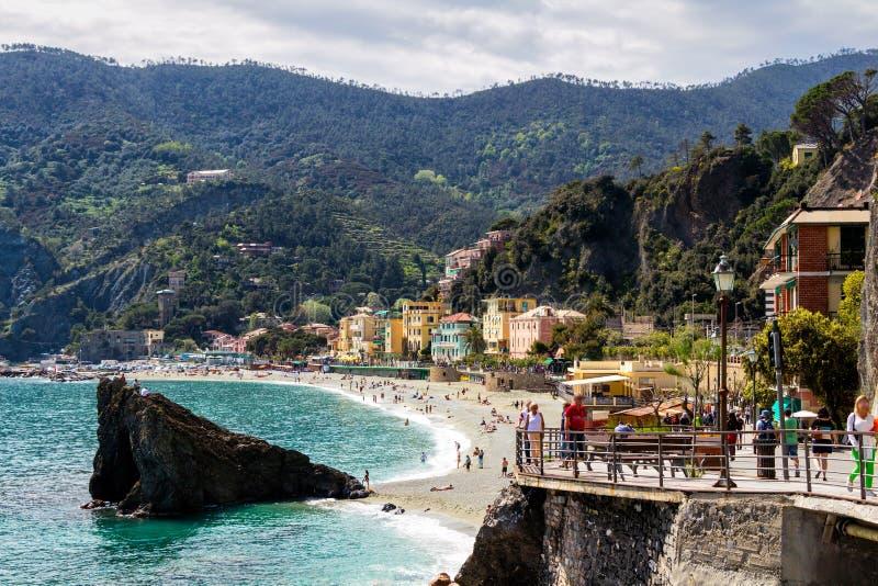 Égua do al de Monterosso, uma vila litoral e recurso em Cinque Terre fotos de stock