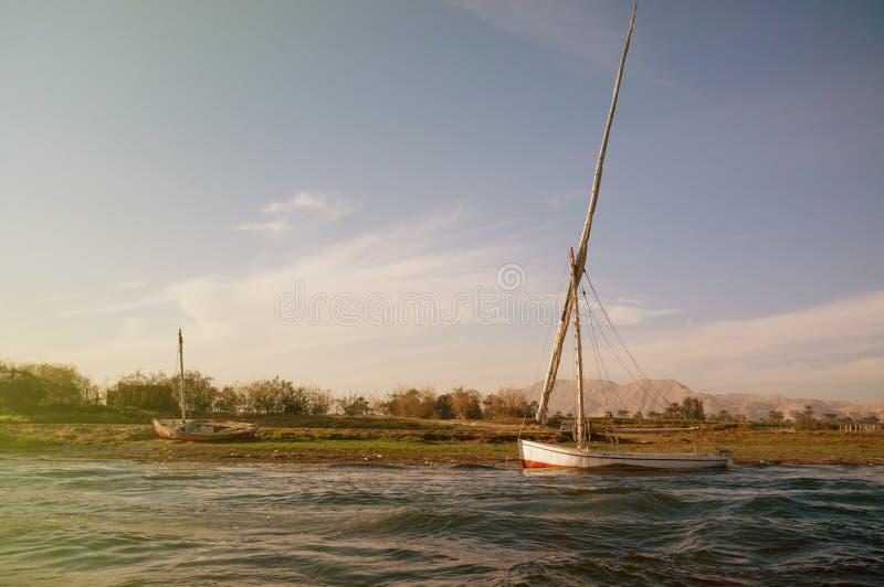 Égypte Bateau chez le Nil à Louxor photos stock