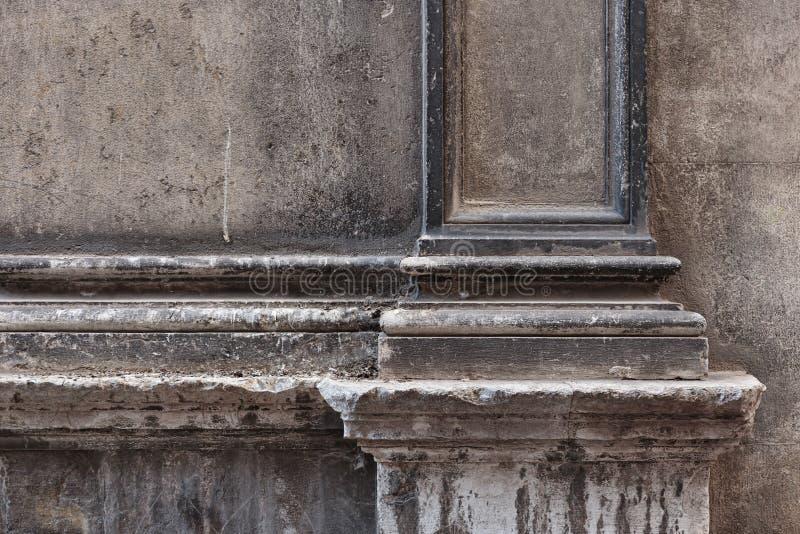 Élément de la vieille façade en pierre photos stock