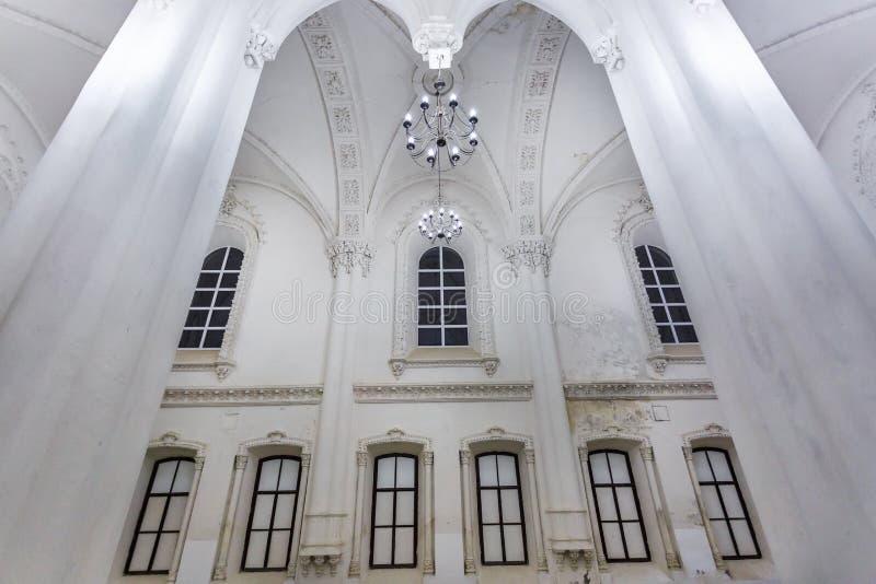 Éléments éclectiques de l'intérieur d'une grande synagogue juive chorale image libre de droits
