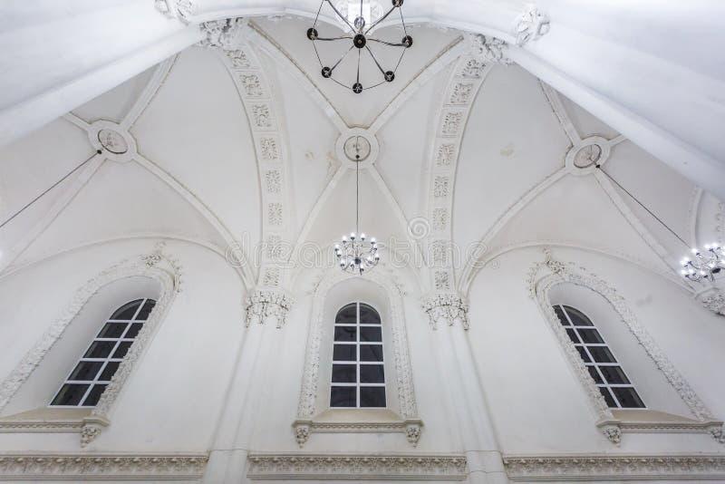 Éléments éclectiques de l'intérieur d'une grande synagogue juive chorale photos libres de droits