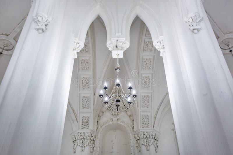 Éléments éclectiques de l'intérieur d'une grande synagogue juive chorale photographie stock libre de droits