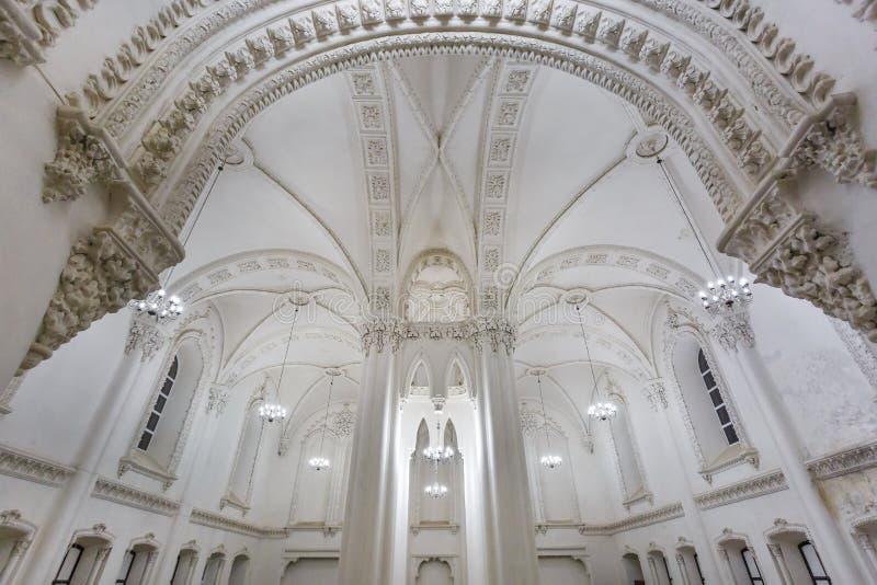 Éléments éclectiques de l'intérieur d'une grande synagogue juive chorale image stock