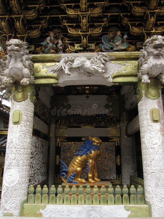 Éléments décoratifs de tombeau et de temple japonais traditionnels images libres de droits