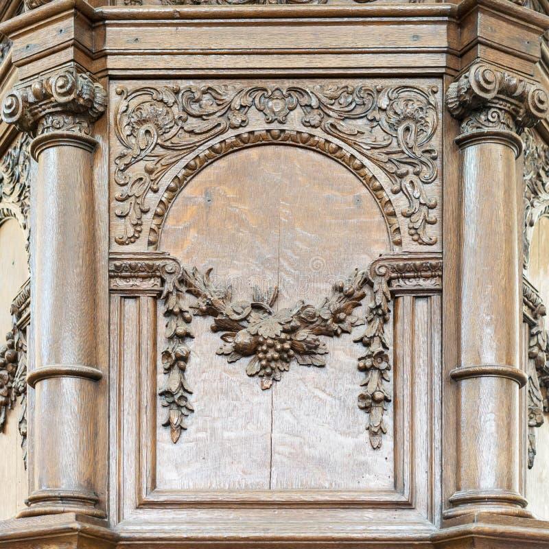 Éléments de décoration dans une église protestante images libres de droits