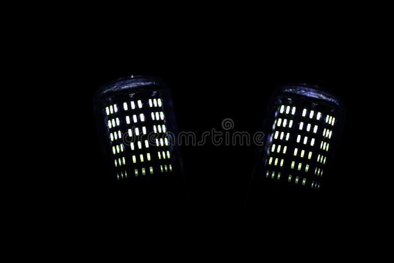 Éléments de LED dans la lampe Lampes avec des diodes Beaucoup de lumières lumineuses photos libres de droits