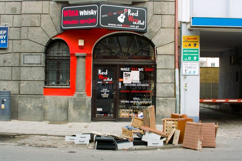 Éléments inutiles de nettoyage à Gdynia. photo stock