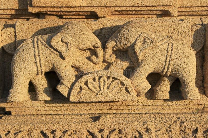 Éléphants face à face photo stock