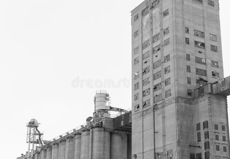 Élévateur à grains de Kansas City dans le monochrome photographie stock