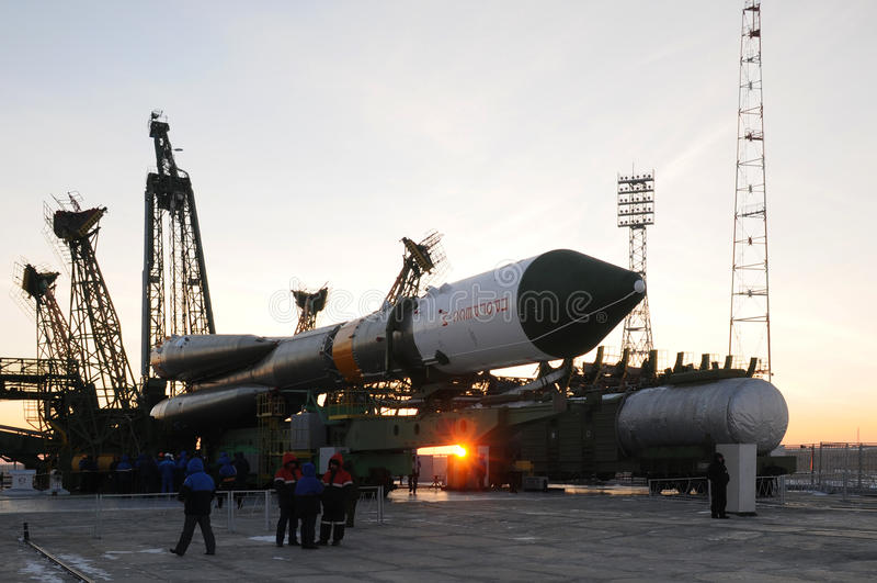 Élévation de vaisseau spatial de cargaison de progrès images stock