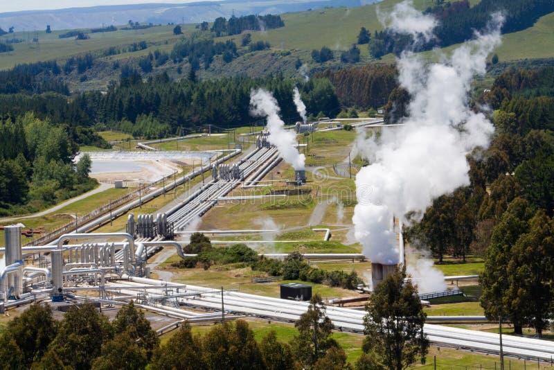 Énergie altenative géothermique de centrale électrique images libres de droits