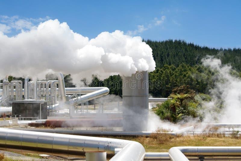 Énergie de substitution géothermique de centrale électrique photos stock