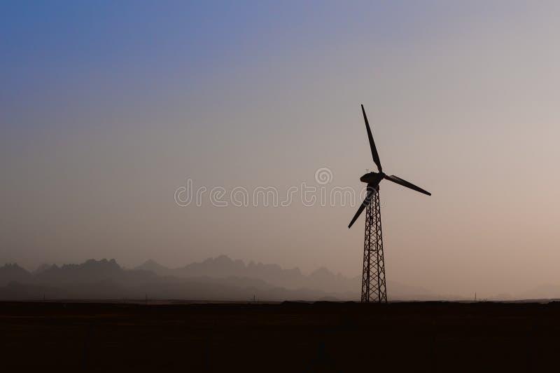 Énergie de substitution de moteurs de générateur de vent photo stock