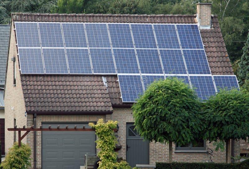 Énergie de substitution solaire images stock
