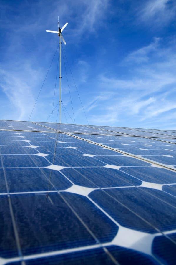 Énergie solaire de vent photo libre de droits