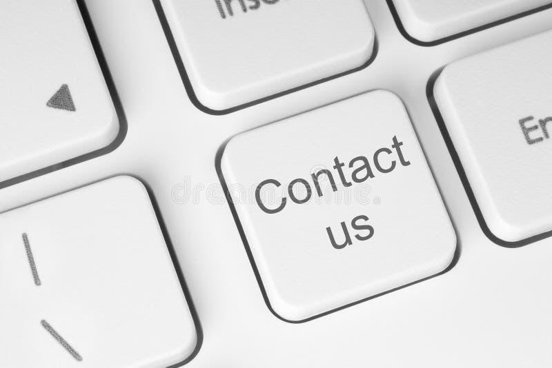 Éntrenos en contacto con botón foto de archivo libre de regalías