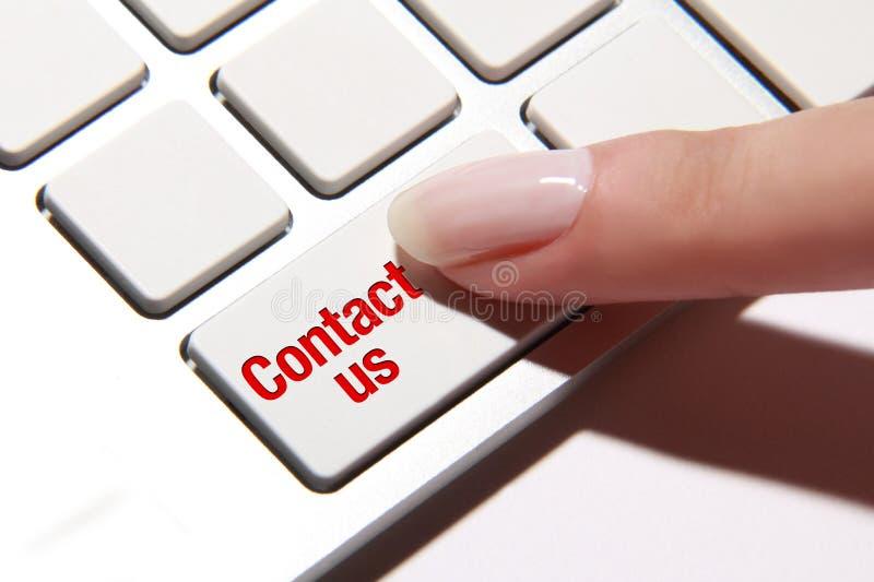Éntrenos en contacto con botón imagenes de archivo