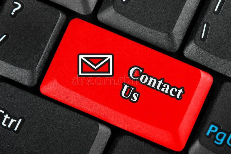 Éntrenos en contacto con botón del icono fotografía de archivo