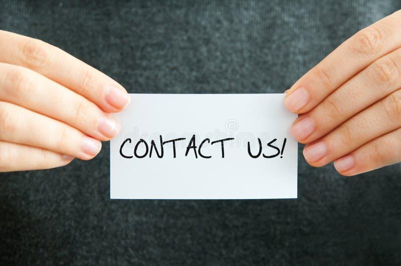 Download Éntrenos En Contacto Con Tarjeta Foto de archivo - Imagen de blanco, ayuda: 64209536