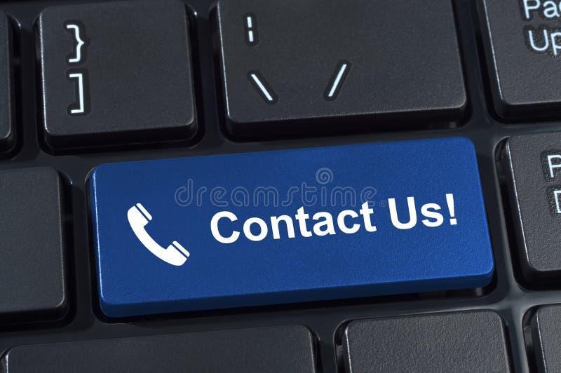 Éntrenos en contacto con teclado del botón con el microteléfono del icono. fotos de archivo libres de regalías