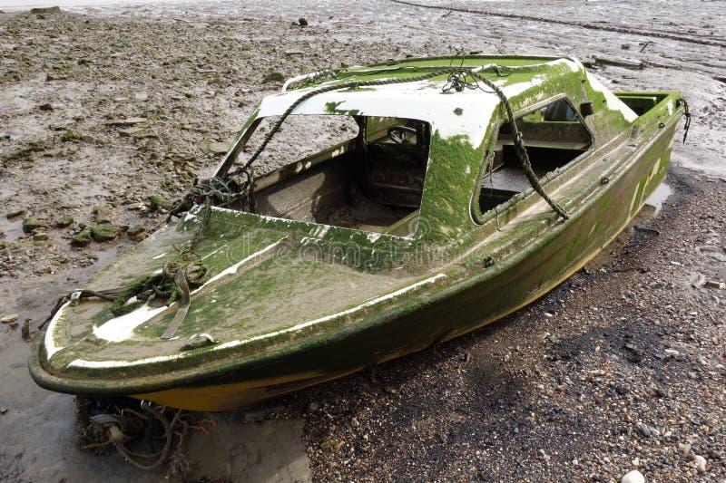 Épave abandonnée de bateau photos libres de droits