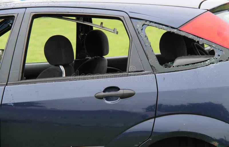 Épave brisée de voiture image stock