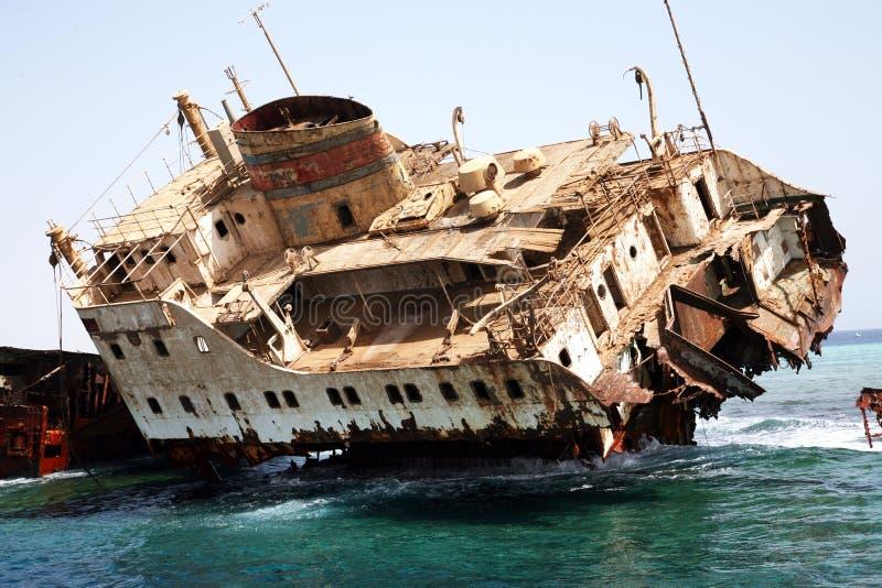 Épave de bateau en Mer Rouge images stock