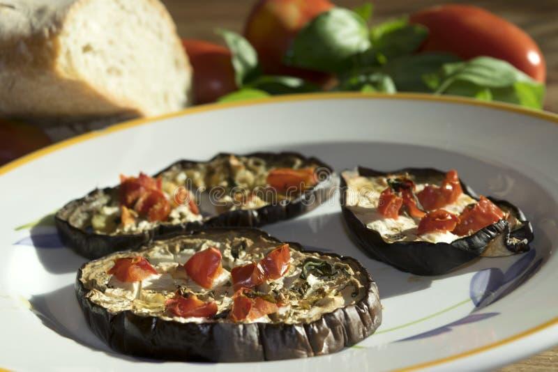 Download Épicerie Fine Des Aubergines Photo stock - Image du grillé, nourriture: 56488286