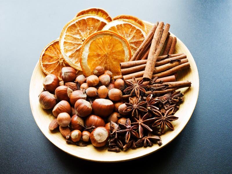 Épices aromatiques de Noël images libres de droits