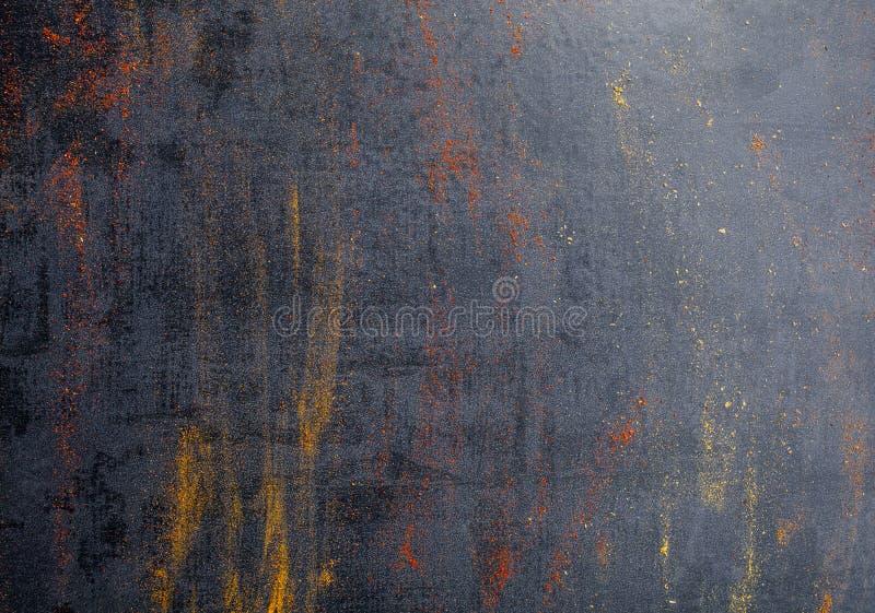 Épices Épices colorées Cari, safran, safran des indes, cannelle et otheron un fond concret foncé poivre Grande collection de Di photographie stock