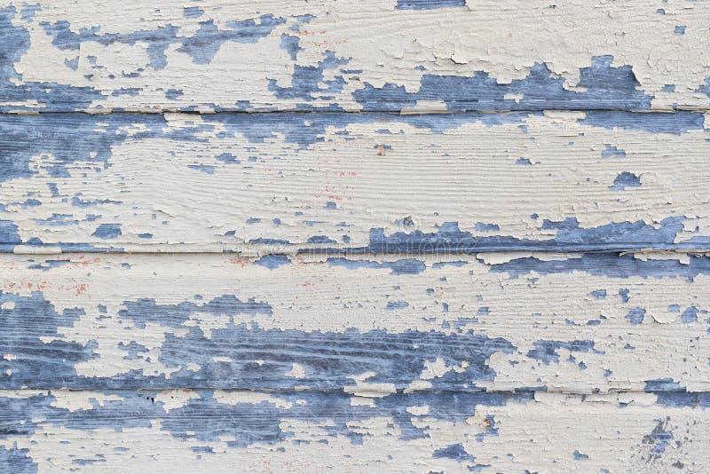 Épluchage de la peinture beige sur le vieux mur rustique en bois Fond en bois de texture images stock
