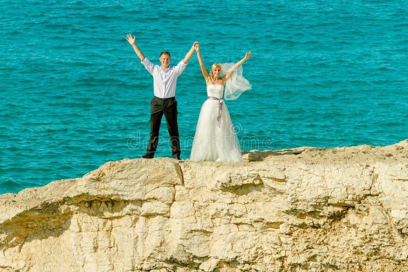 Épouser sur le fond de mer photo stock