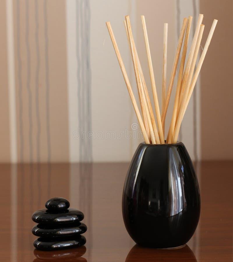 Équilibre de cailloux de zen photo stock