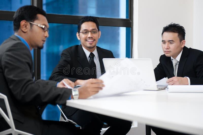 Équipe asiatique d'affaires image libre de droits