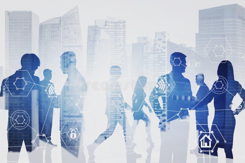 Équipe d'affaires dans la ville, icônes d'Internet photos libres de droits