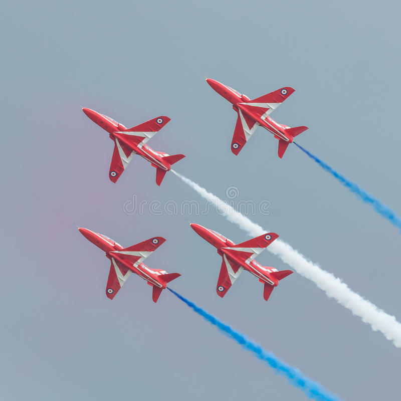 Download Équipe D'affichage De RAF Red Arrows 2016 Photographie éditorial - Image du vitesse, militaire: 76086862