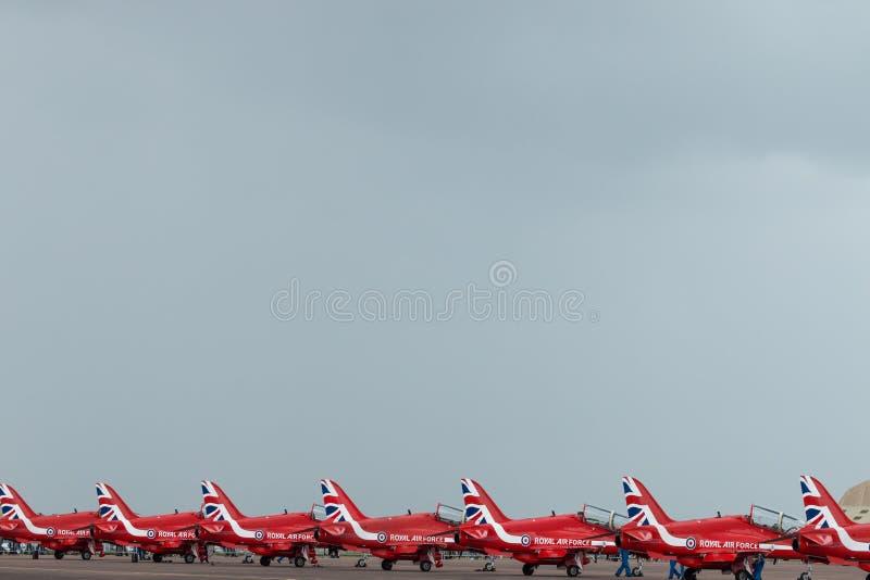 Download Équipe D'affichage De RAF Red Arrows 2016 Alignée Photographie éditorial - Image du équipe, océan: 76086792