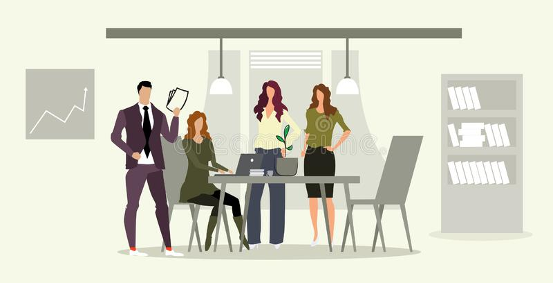 Équipe d'hommes d'affaires avec le patron femelle aux hommes d'affaires de lieu de travail faisant un brainstorm discutant le nou illustration stock