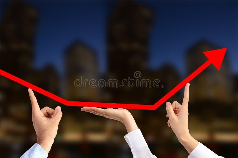 Équipe de gens d'affaires travaillant ensemble pour la croissance économique photographie stock