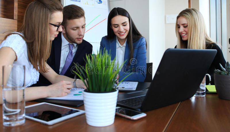 Équipe de jeune entreprise image stock