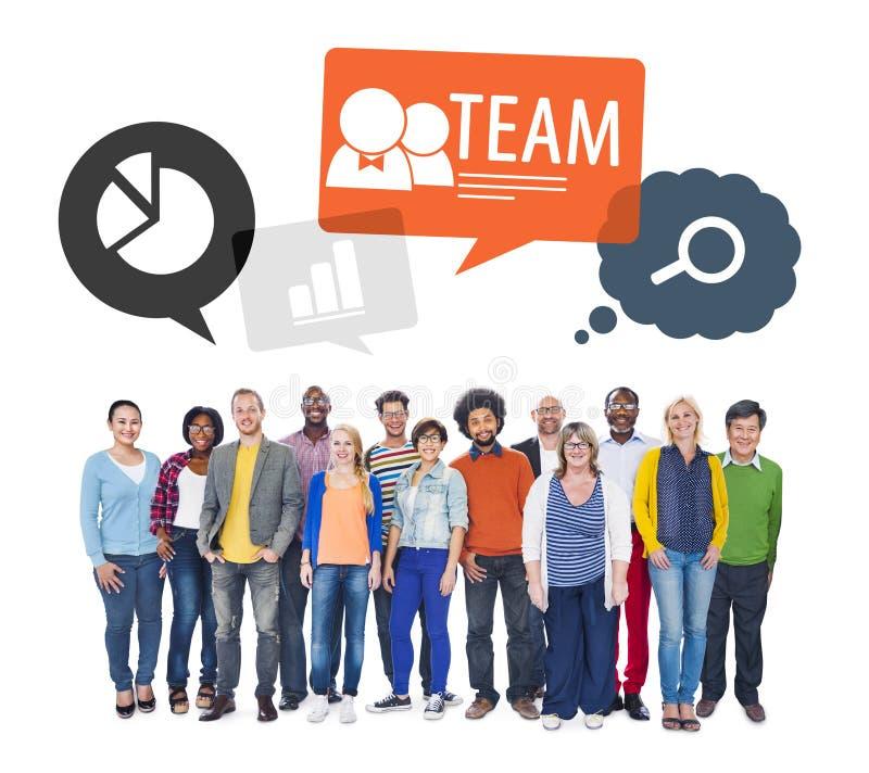 Équipe de personnes colorées multi-ethniques diverses photographie stock libre de droits