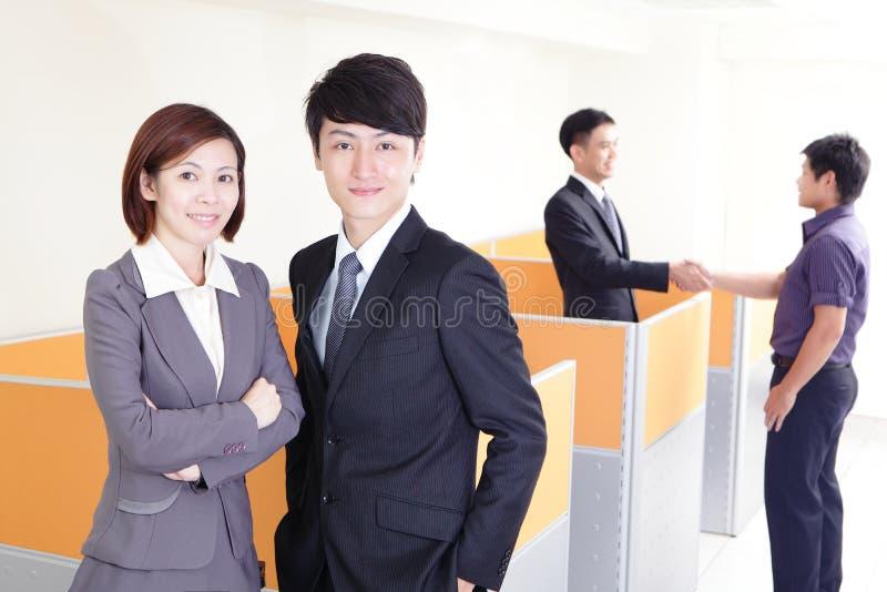 Équipe de sourire heureuse d'affaires photo libre de droits