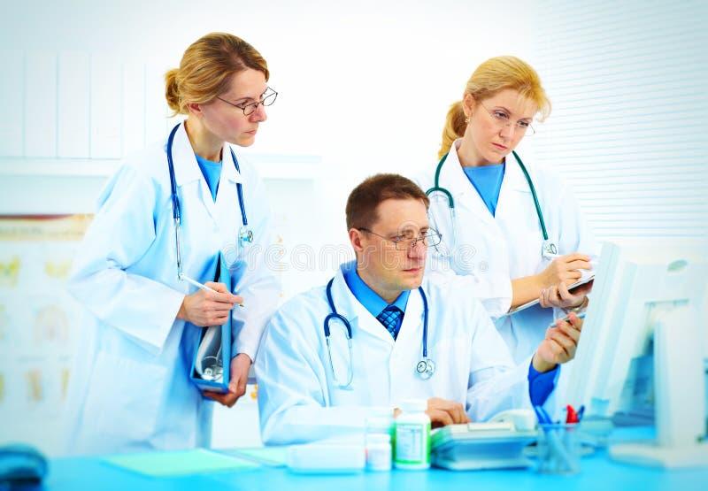 Équipe des médecins photo libre de droits
