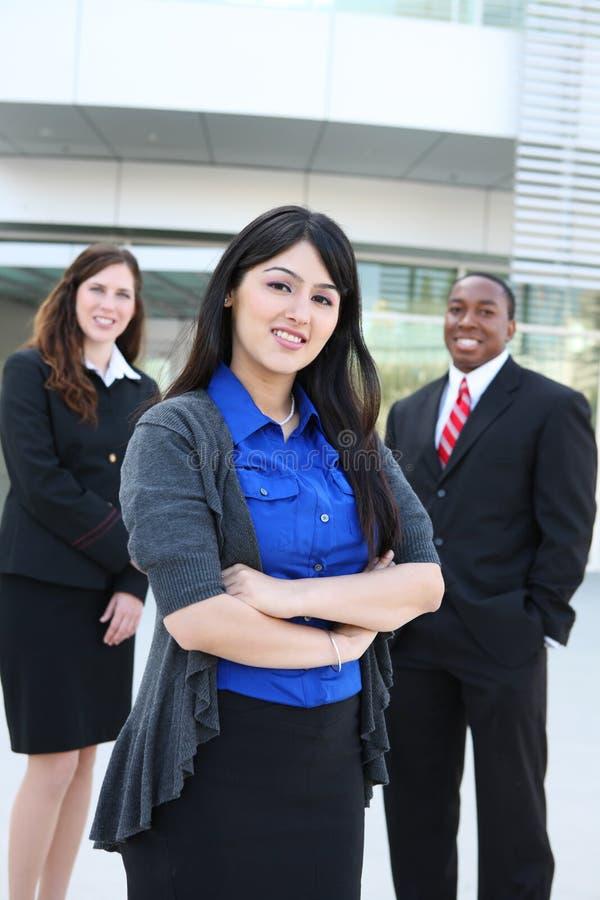 Équipe diverse d'affaires au bureau image libre de droits