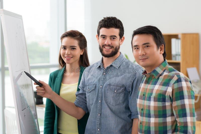 Équipe multi-ethnique d'affaires photographie stock libre de droits