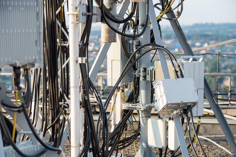 Équipement à haute fréquence de conducteur d'antenne pour le Ne de télécommunication photos libres de droits